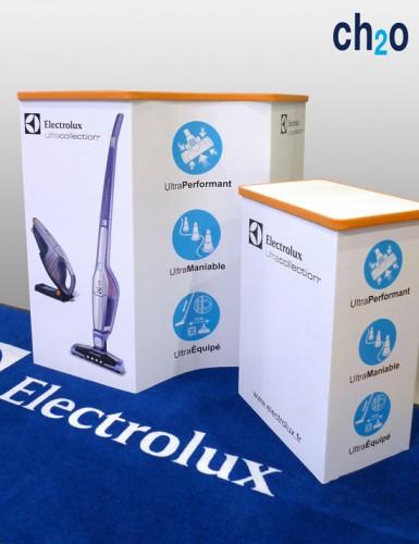 PLV-podium-carton-alveolaire-reboard-impression-et-decoupe-numerique-faconnage-des-chants