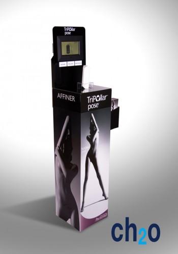 PLV de sol carton avec porte leaflet, sécurisation du modèle d'exposition et diffusion video